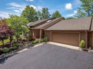 2610 Foxchase Run, Fort Wayne IN