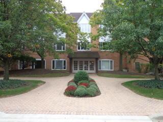 205 Rivershire Lane #513, Lincolnshire IL