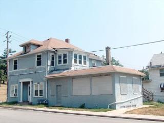 1860 West 8th Street, Davenport IA