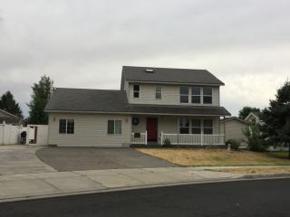 1066 NE Gladys Dr, Hermiston, OR