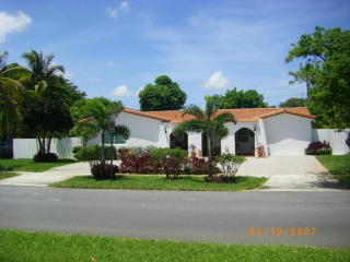 200 S South Robbins Dr, West Palm Beach, FL