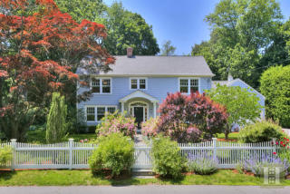 9 Lakeside Ave, Darien, CT