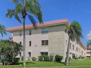 5530 80th Street North #A106, Saint Petersburg FL