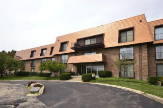 4050 Dundee Road #107, Northbrook IL