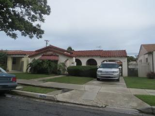2609 W 82nd St, Inglewood, CA