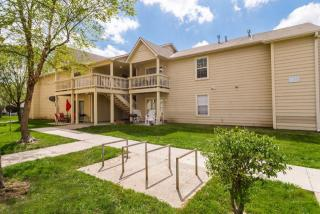 2310 W 26th St, Lawrence, KS