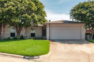 903 Diamond Oaks Cir, Arlington, TX