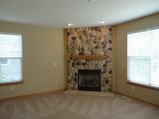 3935 Rivers Crossing Dr, Waukesha, WI