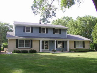 6195 West Plaza Circle, Brown Deer WI
