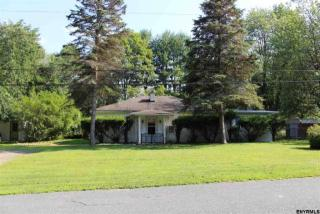 27 Longview Ave, West Sand Lake, NY