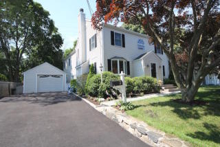 3 Patton Dr, Darien, CT