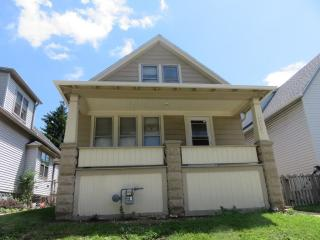 3056 N Pierce St, Milwaukee, WI