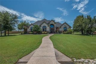 111 Addison Ct, Hudson Oaks, TX