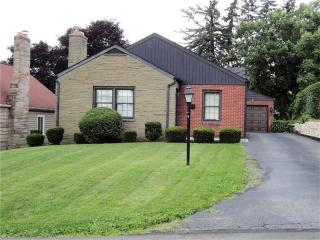 300 Patricia Dr, Ellwood City, PA