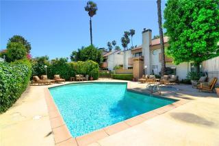 4958 Woodman Avenue #102, Sherman Oaks CA