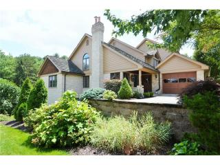 106 Village Ct, Upper Saint Clair, PA