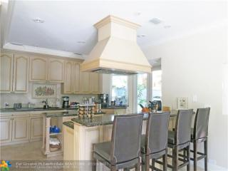 615 Coral Way, Fort Lauderdale, FL