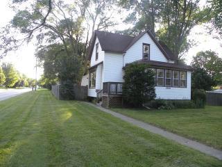 3244 Emmaus Avenue, Zion IL