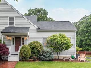 2004 Lords Court, Wilmington MA