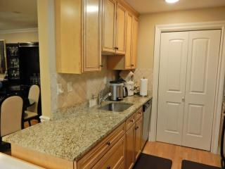 12 Russell Rd #205, Wellesley, MA