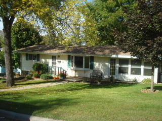 335 East Sorenson Avenue, Appleton MN