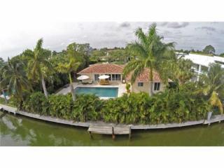 9525 East Broadview Drive, Bay Harbor Islands FL