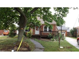 230 East 327th Street, Willowick OH