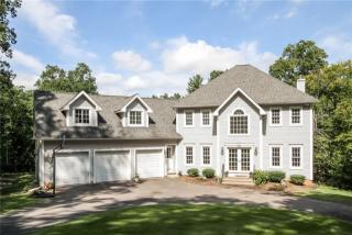 26 Mountain Ln, Farmington, CT