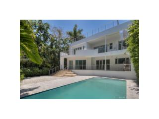 5685 N Bay Rd, Miami Beach, FL