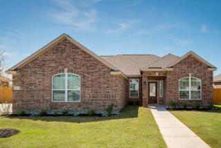 612 Meadow Springs Dr, Glenn Heights, TX