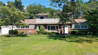 12 Timberline Dr, Huntington, NY