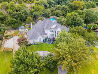 140 Allie Ct, Hudson Oaks, TX