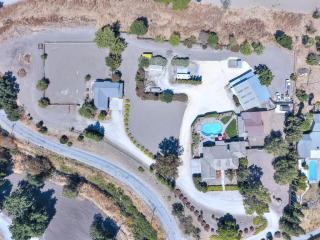 801 Hospital Road, Hollister CA