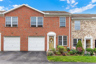 3564 Mark Dr, York, PA
