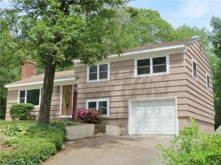 1 Richard Rd, Gales Ferry, CT