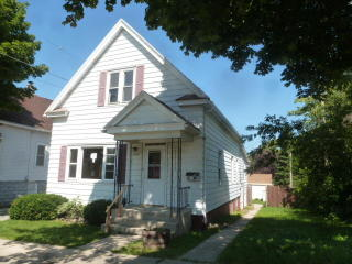 3266 S 14th St, Milwaukee, WI