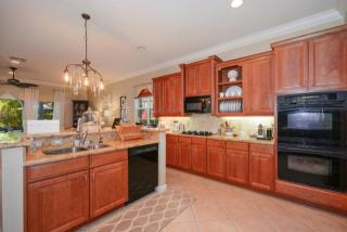923 Mill Creek Dr, Palm Beach Gardens, FL