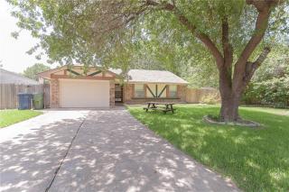 906 Highwood Place, Garland TX