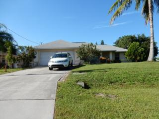 724 SW 8th Ter, Cape Coral, FL