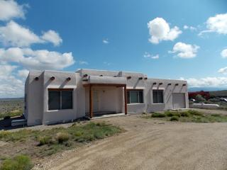 9 Adams Rd, Ranchos De Taos, NM