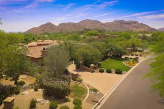8305 N Ridgeview Dr, Paradise Valley, AZ