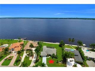 3735 Southeast 21st Place, Cape Coral FL