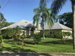 851 East Lakeview Drive, Bonita Springs FL
