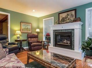 4 Grove St, Branford, CT