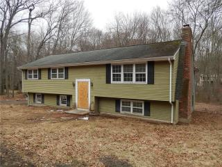 36 Norwill Dr, North Branford, CT
