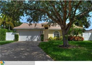 2001 NW 45th St, Oakland Park, FL