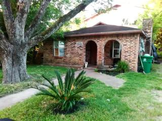 959 Benchfield Dr, Houston, TX