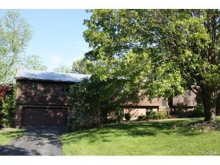 20 Bayberry Dr, Monroe, NY
