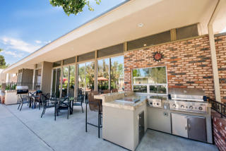 555 Laurie Ln, Thousand Oaks, CA