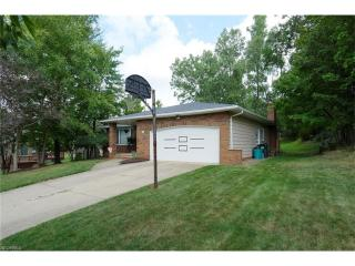 3272 Helen Dr, North Royalton, OH
